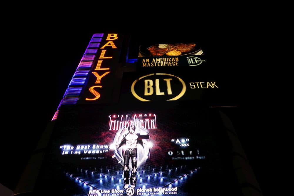 Sign Bally's hotel and casino in las vegas