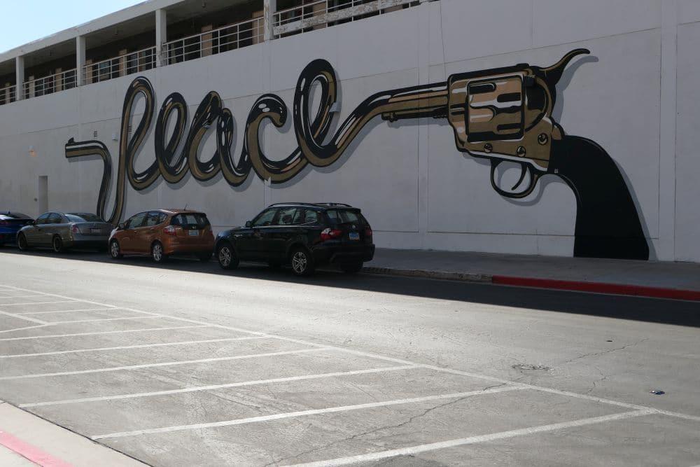 Mural Las Vegas - Peace Piper, artist d*face