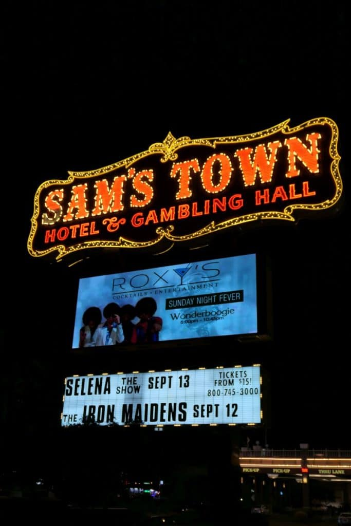 Sign Sam's Town hol and gambling hall in Las Vegas, Boulder Highway