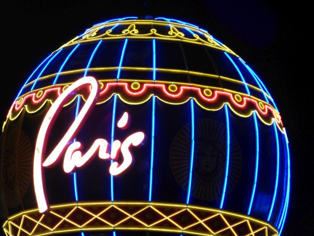 Neon Paris Balloonin Las Vegas