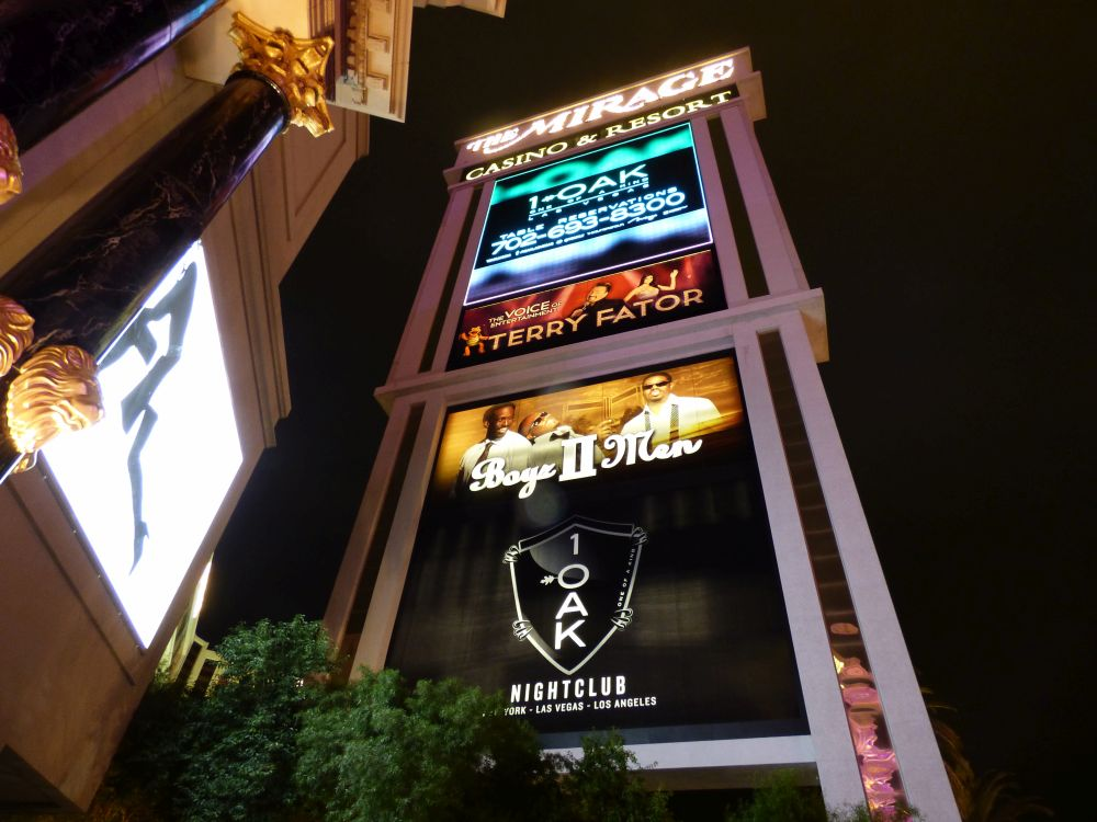 Sign Mirage Hotel and casino in Las Vegas